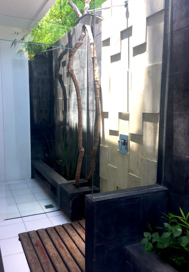 Villa Nero Shower